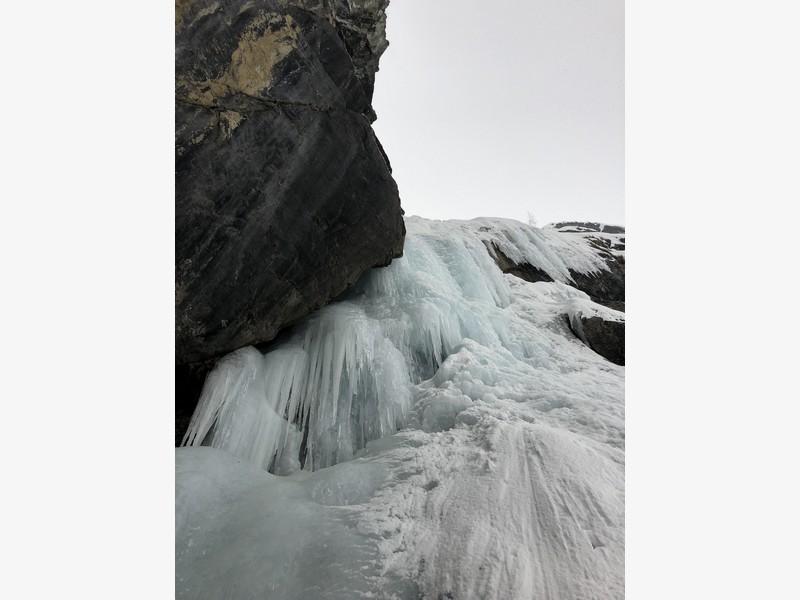 cascata di ghiaccio punta jolanda proup (2)