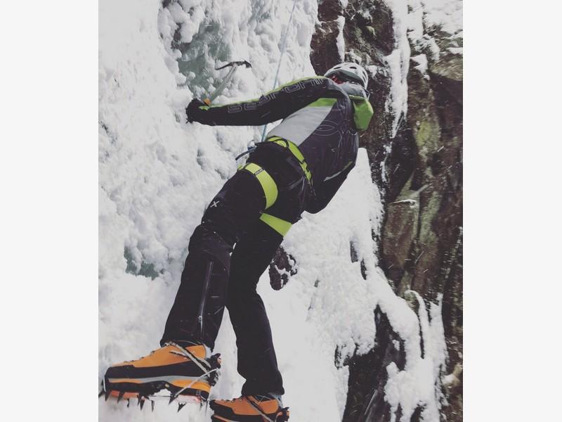 guide alpine proup cascate di ghiaccio valle orco (1)