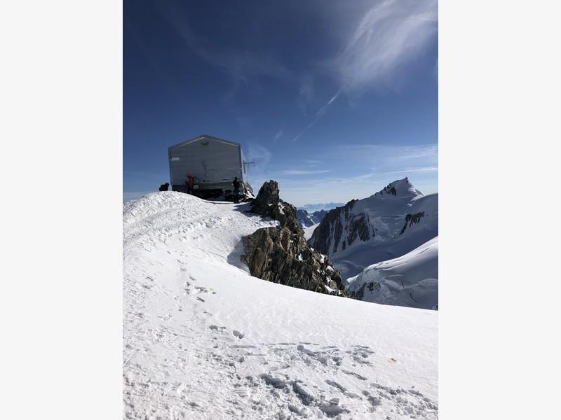monte bianco dal rifugio gonella via normale italiana alpinismo guide alpine proup (48)