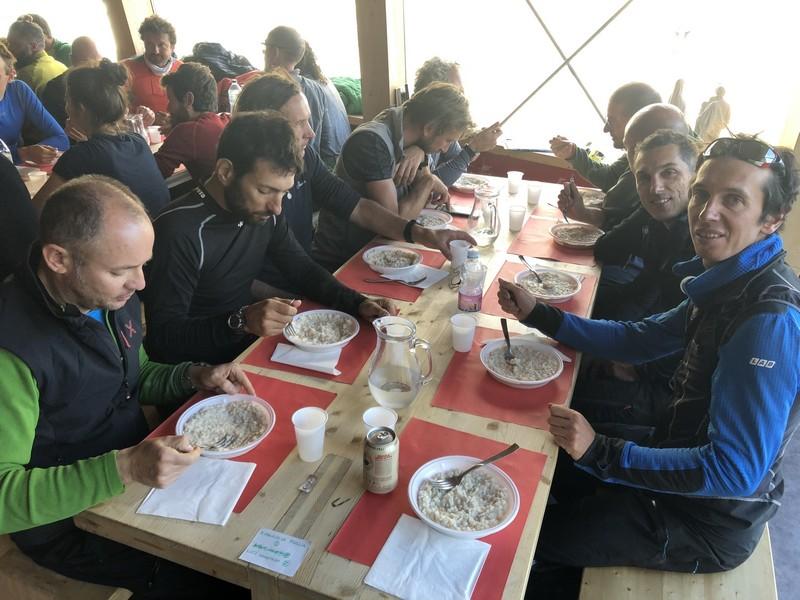 monte bianco dal rifugio gonella via normale italiana alpinismo guide alpine proup (82)