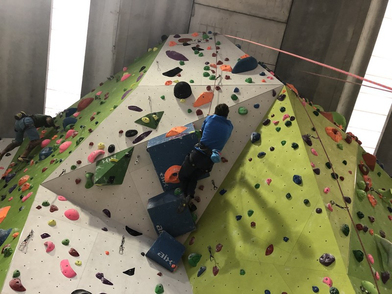 arrampicata indoor palestra stone age guide alpine proup varese (12)