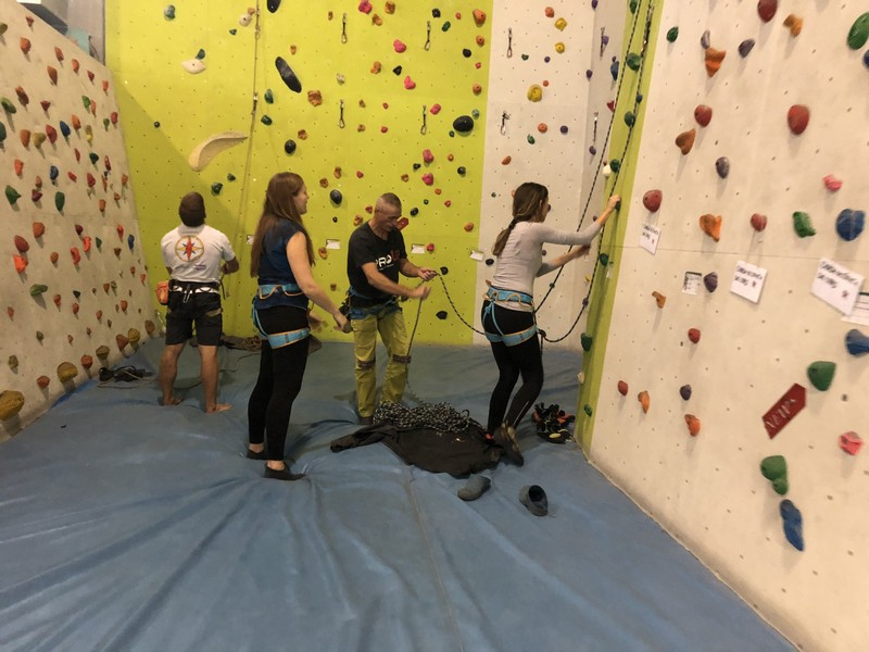 arrampicata indoor palestra stone age guide alpine proup varese (14)