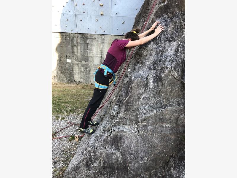 corso arrampicata base guide alpine proup falesia maccagno (14)