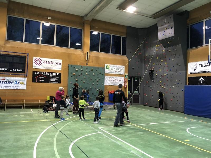 arrampicata bambini palestra guide alpine proup (1)