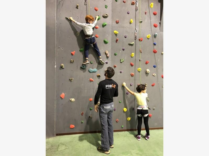 arrampicata bambini palestra guide alpine proup (18)