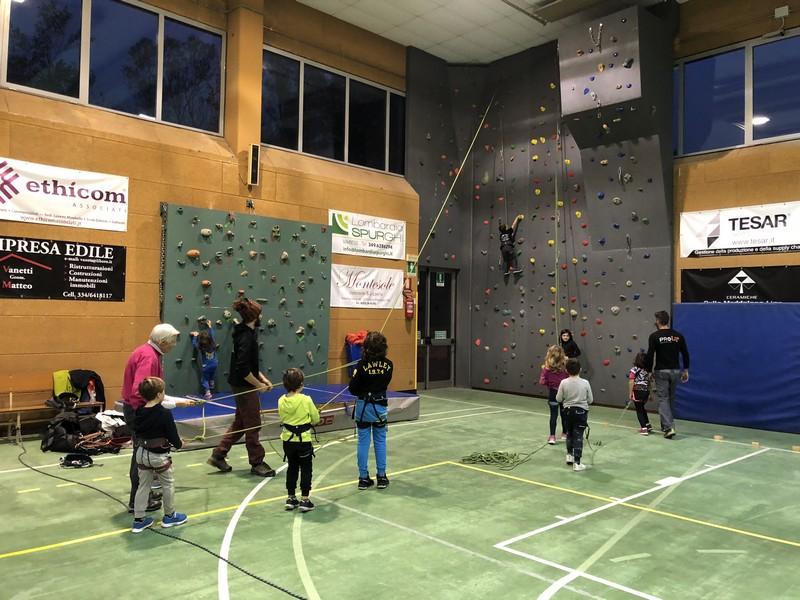 arrampicata bambini palestra guide alpine proup (2)