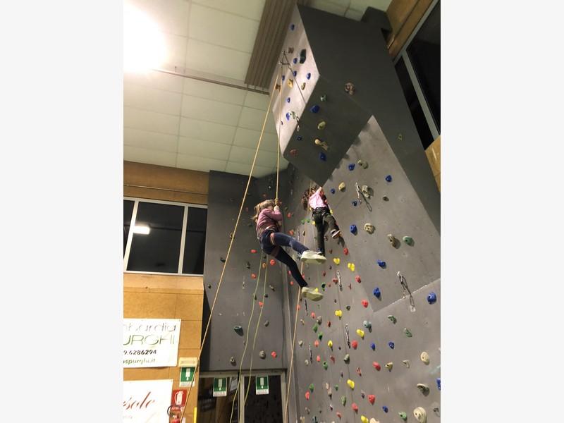 corso arrampicata bambini palestra germignaga guide alpine proup varese (15)