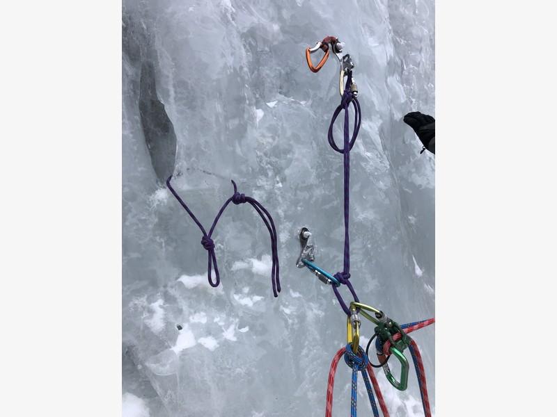 cascata di ghiaccio sorgente del falco guide alpine proup (15)