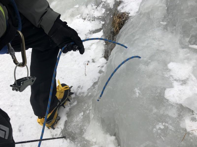 cascata di ghiaccio sorgente del falco guide alpine proup (8)